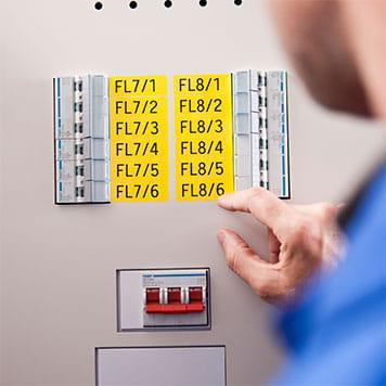Etiketter for elektrikere