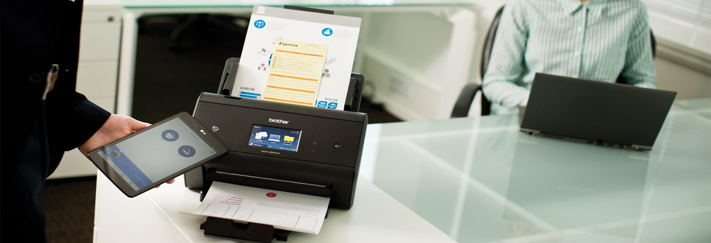 Scanning wireless from iPad to a Brother Desktop scanner ADS-3600W