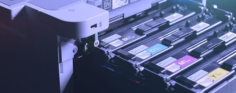 Tonerskuffen trukket ut av HLL9310CDW profesjonell farge laserskriver