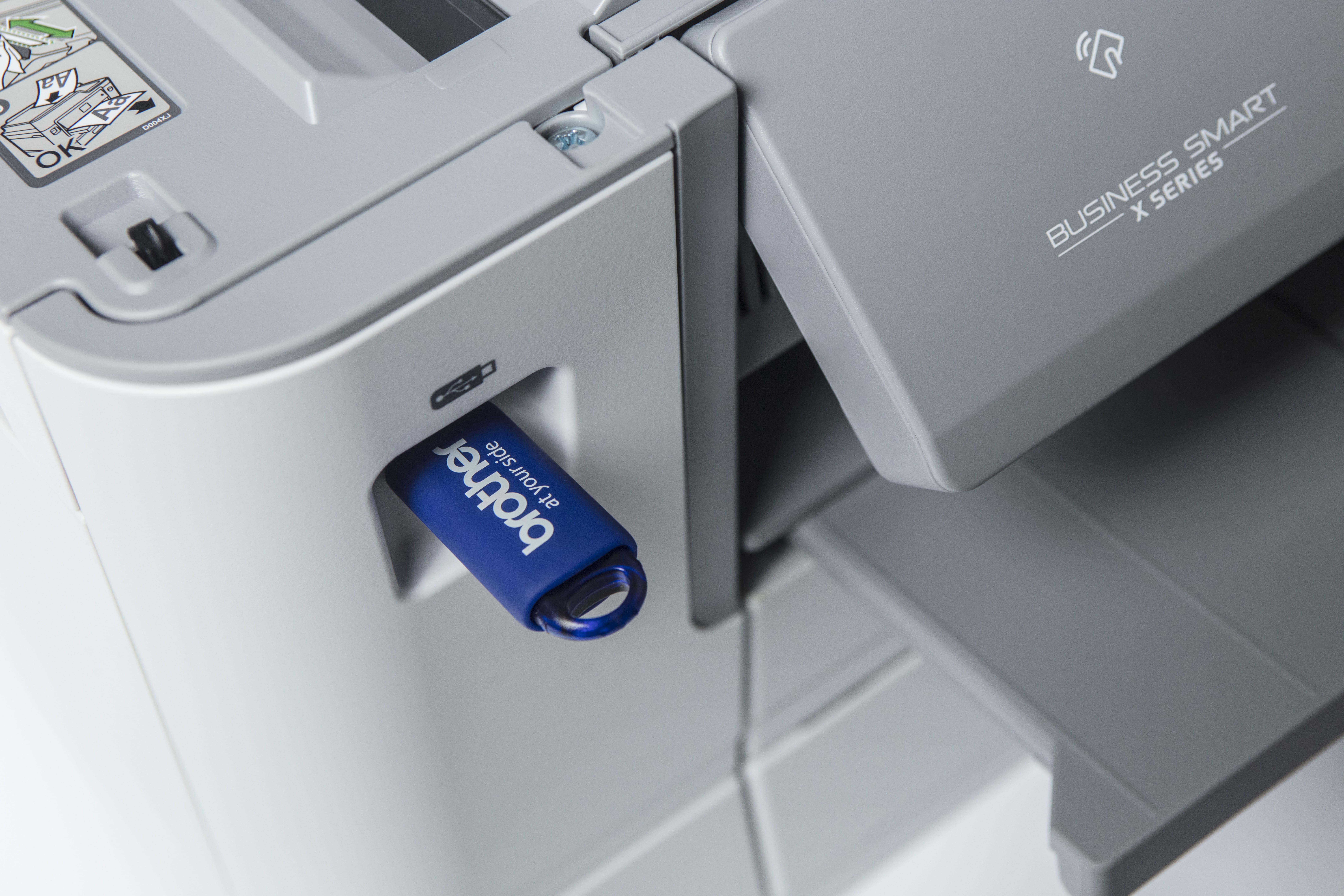 Brother MFC J6945DW multifunksjon blekkskriver med USB minnepinne