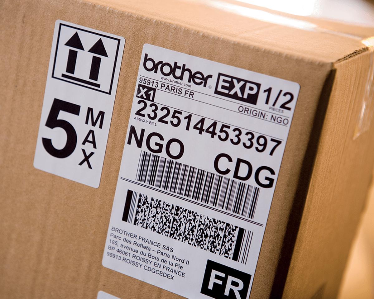 QL1100 etikettskriver for utskrift av leveranseetiketter i bredt format med strekkoder 5
