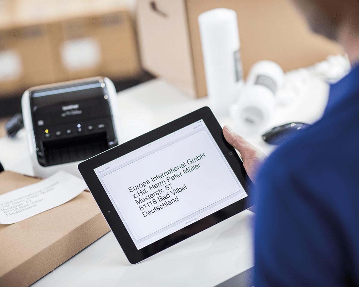 QL1110NWB etikettskriver for leveranseetiketter i bredt format med strekkoder 4