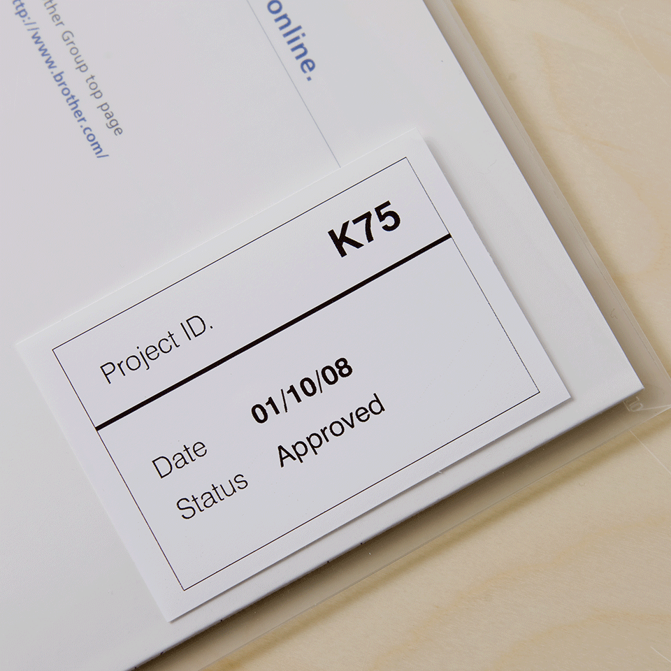 Brother original DK22212 taperull i plastfilm i løpende lengde - sort på hvit, 62 mm bred 2