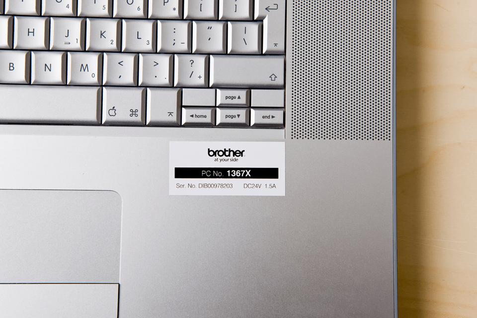Original Brother HGe251V5 høykvaltets merketape – sort på hvit, 24 mm bred 2