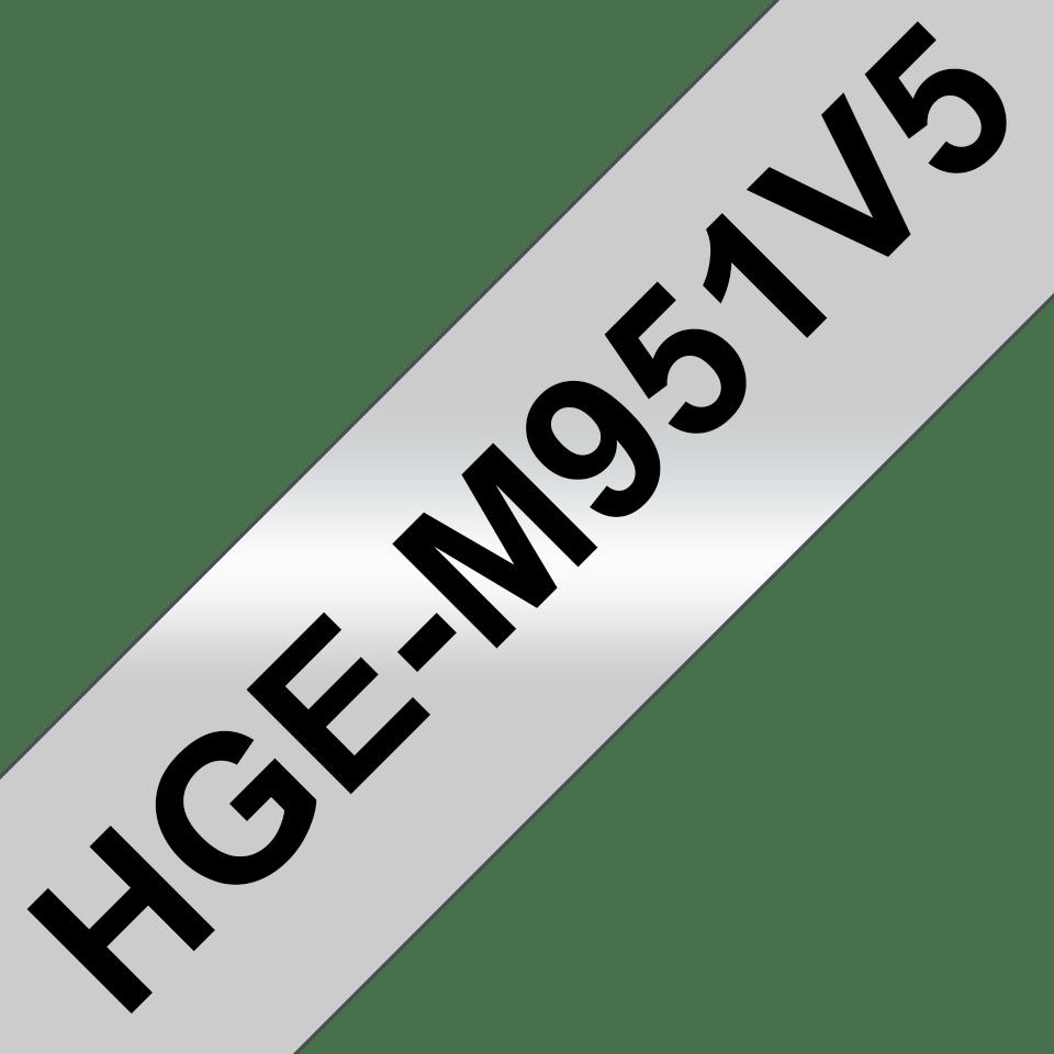 Original Brother HGeM951V5 høykvalitets merketape – sort på matt sølv, 24 mm bred