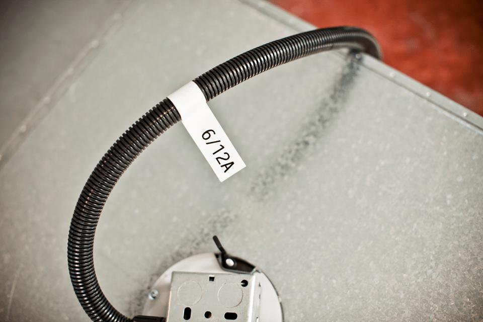Brother original TZeFX231 fleksibel ID merketape - sort på hvit, 12 mm bred 4