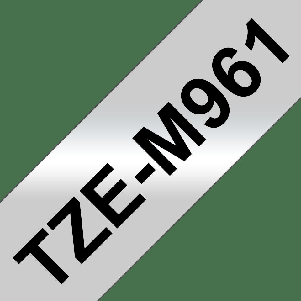 Original Brother TZeM961 merketape – sort på matt sølv, 36 mm bred