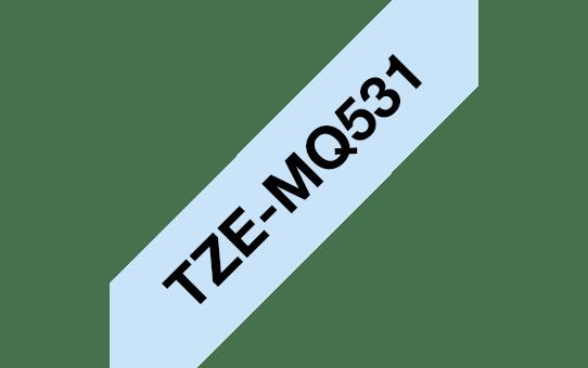 Brother original TZeMQ531 laminert merketape - sort på pastellblå, 12 mm bred 3